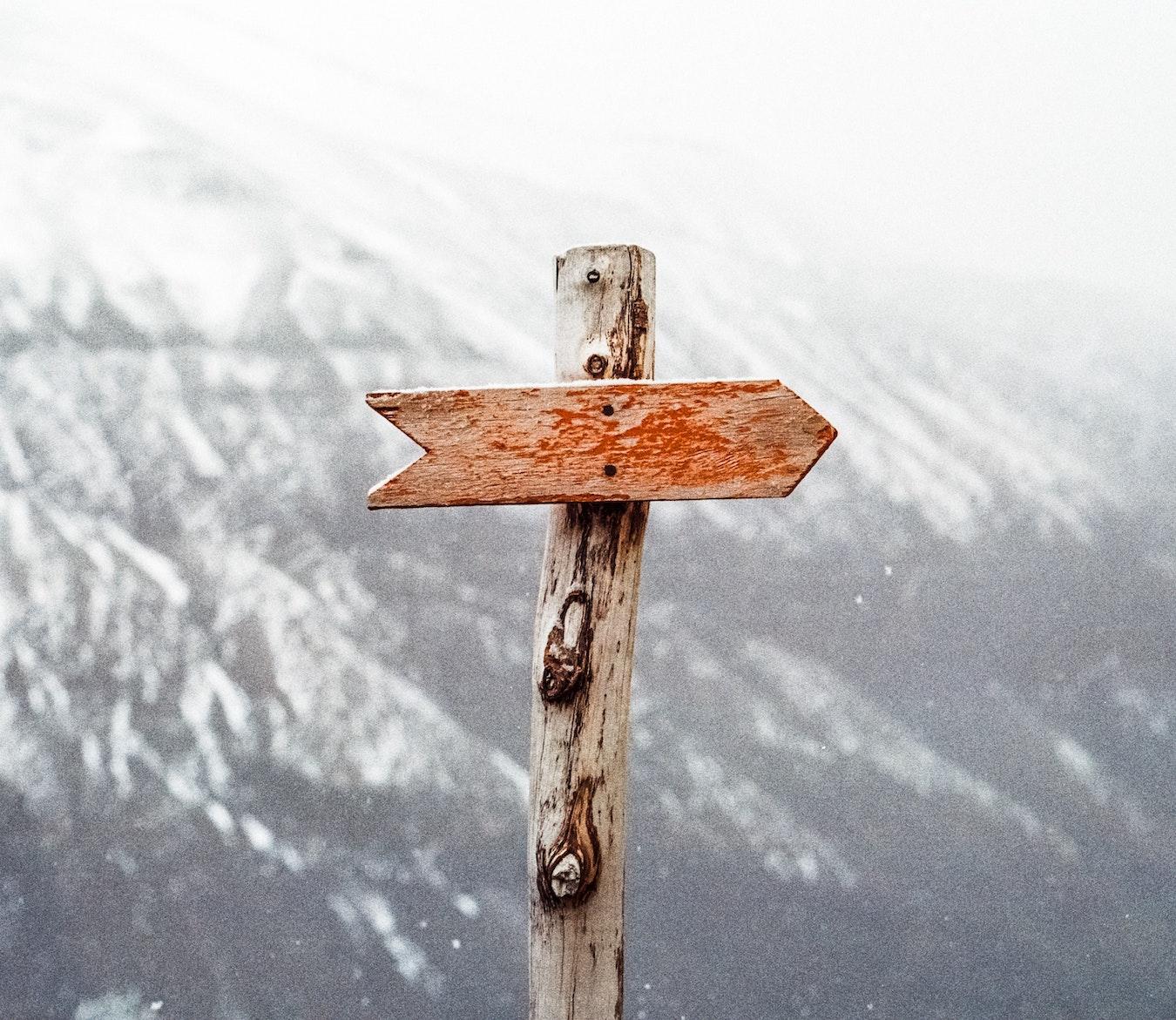 Gebirge Wegweiser in das Unbekannte